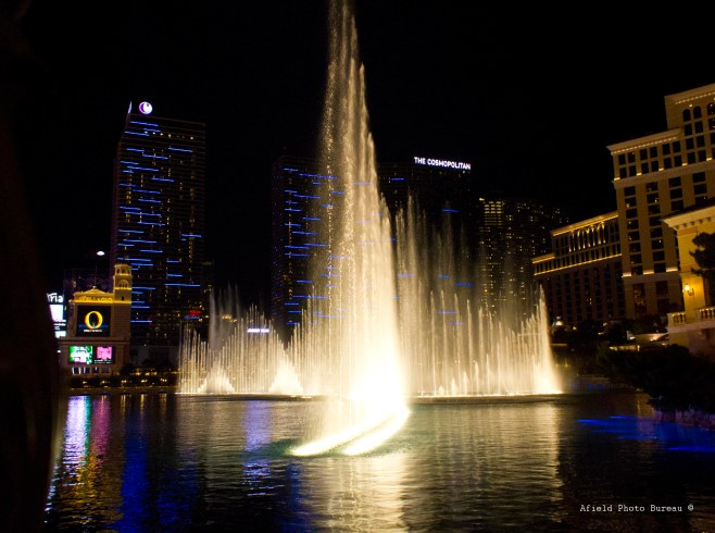 The lazy man's view of the Bellagio fountain. It's hard to take a good photo while drinking a 2qt frozen drink.