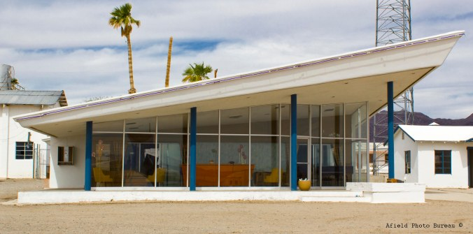 I love that mid-century modern look at Roy's on Rt 66.